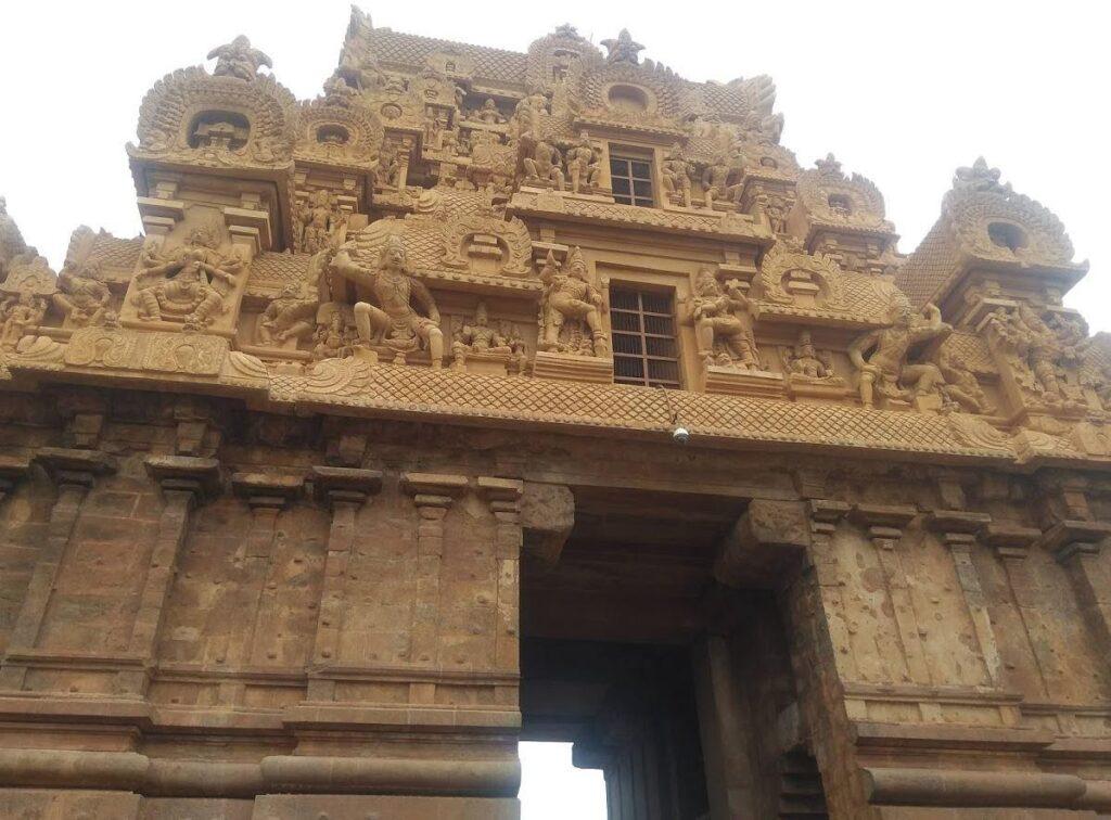 Paintings on Brihadeeswara Temple
